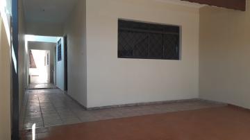 Casa / Padrão em Santa Bárbara D`Oeste Alugar por R$850,00
